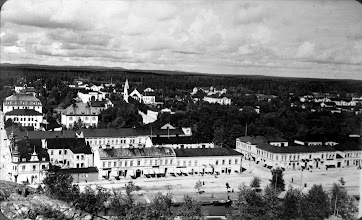 Photo: Soderhamn street along river - 1920's