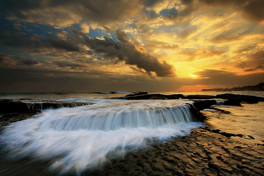 5 Beach by Agoes Antara - Landscapes Waterscapes