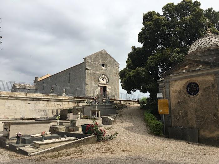 Entrata cimitero Pieve di San Giovanni (Campiglia Marittima)