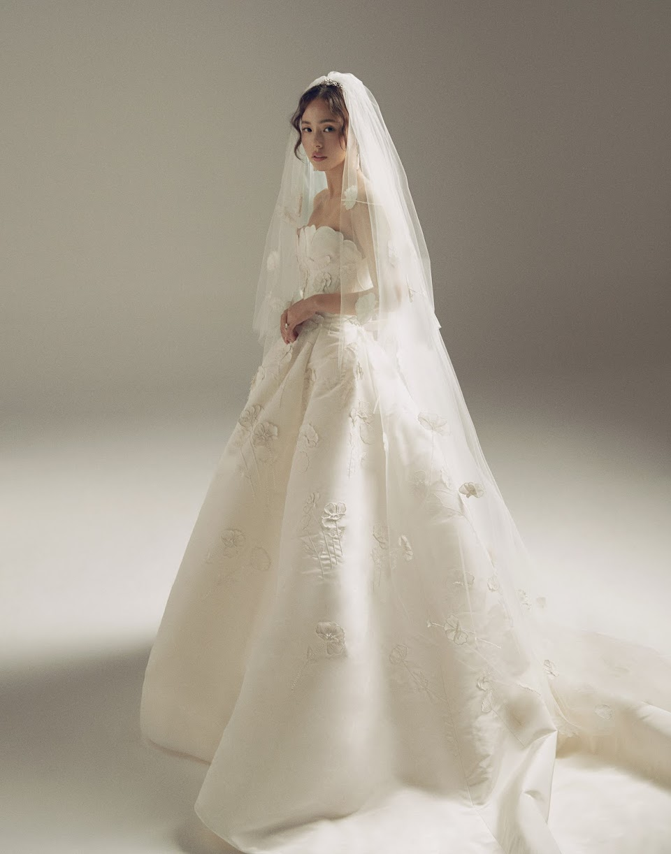 MinHyoRin_WeddingDress