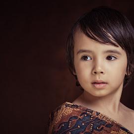 Little Boy by Henk  Veldhuizen - Babies & Children Child Portraits ( child, indonesian, fine art, fine art photography, child portraits, boy )