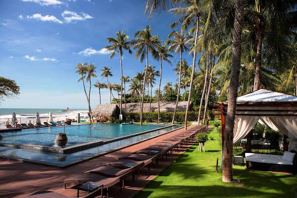 Aroma Beach Resort and Spa