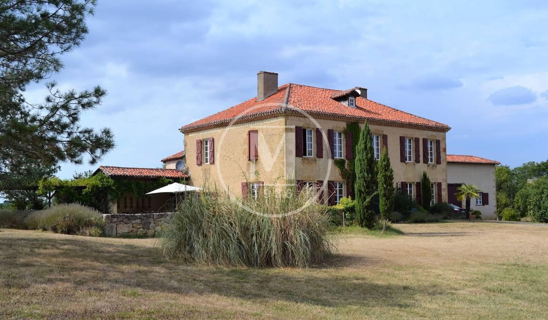 Maison avec piscine et terrasse Mirande