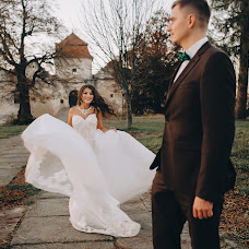 Wedding photographer Oksana Zakharchuk (youllow). Photo of 13.02.2018