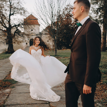 Wedding photographer Oksana Zakharchuk (youllow). Photo of 13.02.2018