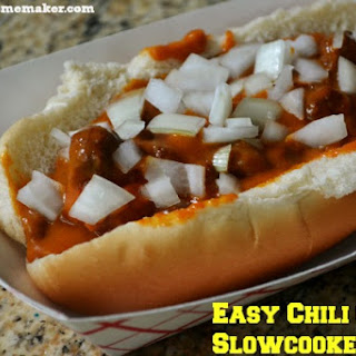 Easy Chili Cheese Slowcooker Dogs.