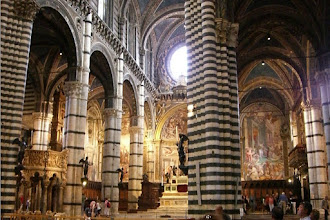 Photo: Inside the Svelato Duomo in Sienna, Italy