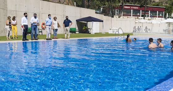 Nueva piscina municipal en Enix para todas las edades con una zona de merendero