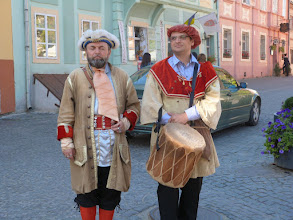 Photo: Rou5Ins321-151003troubadours en tenue d'époque, Sighisoara, citadelle IMG_RR 7
