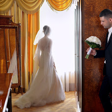 Wedding photographer Vladimir Ovsyannikov (alinalook). Photo of 08.02.2015