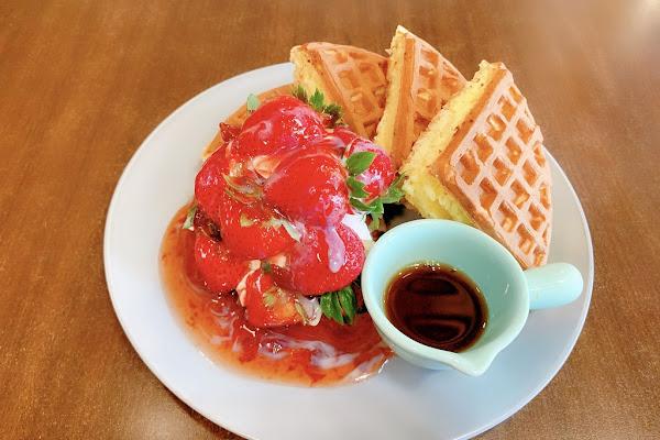 Coco鬆餅屋:員林20年老字號咖啡館,經典格子鬆餅的始祖