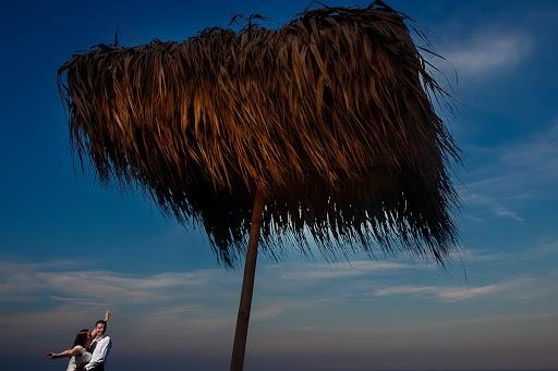 Wedding photographer Petrica Tanase (tanase). Photo of 10.08.2014