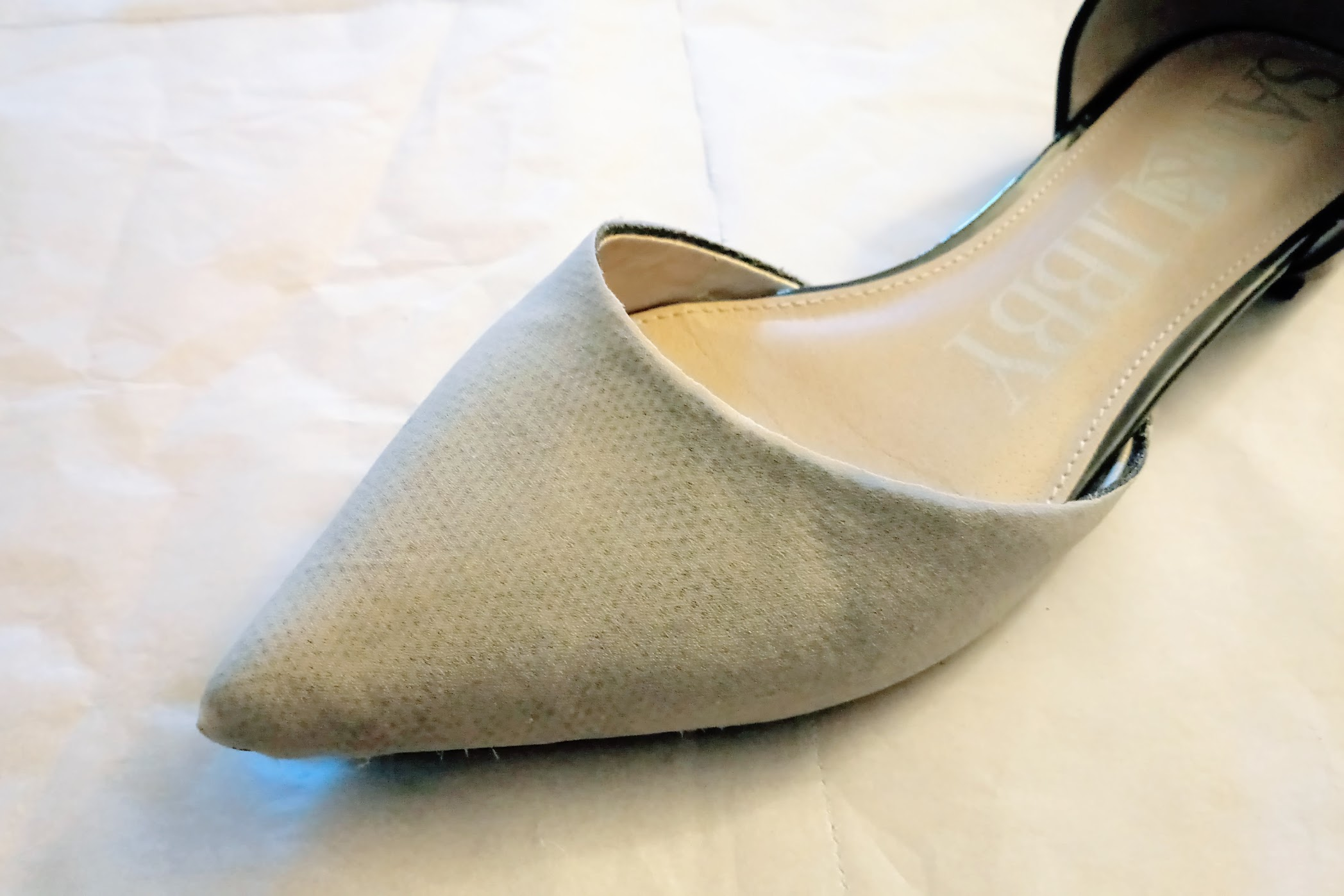 In-Progress: Refashioning a Pair of Flats with Lace and Velvet Remnants - DIY Fashion Accessories | fafafoom.com