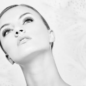 Girl by Иван Тонов - People Fashion ( studio, face, person, fashion, b&w, black and white, beauty, portrait, photography, up, close, make up, girl, woman, closeup )