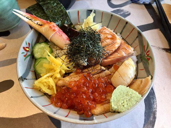 KAMA釜かま日式丼飯 。台中公益路美食又添一家。新鮮又美味豐盛的丼飯@ S先生與R小姐の吃喝玩樂