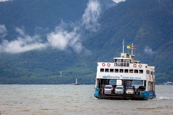 Transfer from Bangkok to Koh Chang by Thai Sriram Coach and Car Ferry