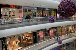 Shopping centers in Vile Parle