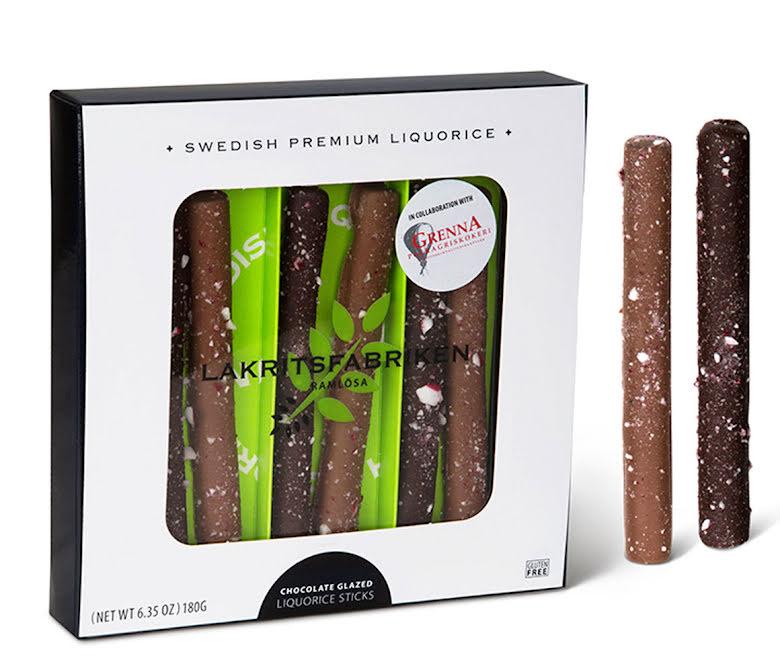 Saltlakritsstänger doppade i choklad med krossad polkagris - Lakritsfabriken Ramlösa