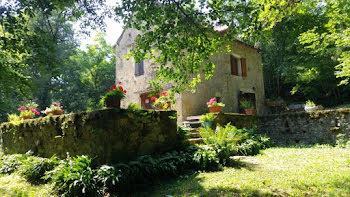 maison à Vailhourles (12)