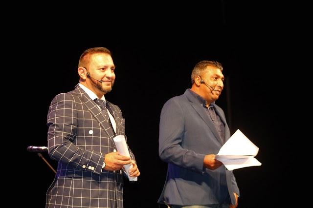 David Jiménez Castro, abogado de la Hermandad; y Guillermo Carmona, secretario general, presentadores.