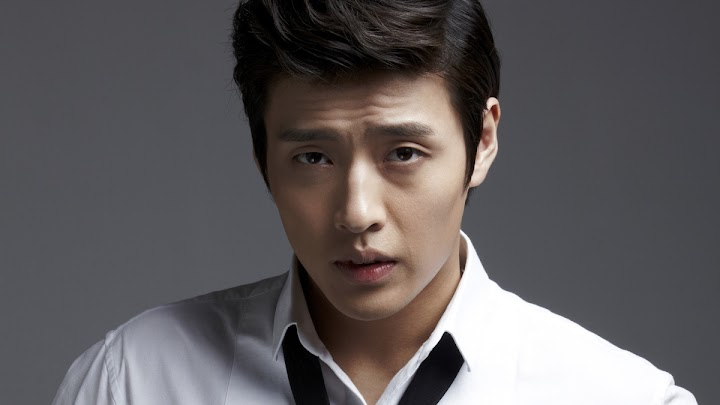 Actor Kang Haneul S Instagram Was Hacked With Adult Advertisements