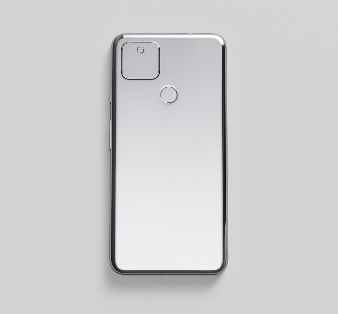 Google Pixel 5 のデバイス背面の画像