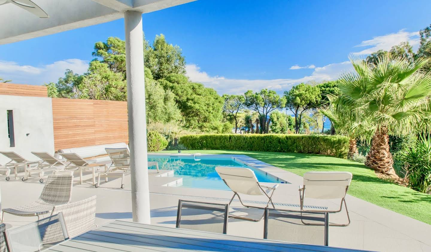 Villa with pool and terrace Lumio