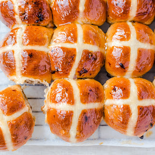 Thermomix Hot cross buns.