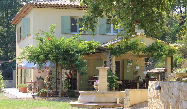 Villa avec terrasse Montauroux