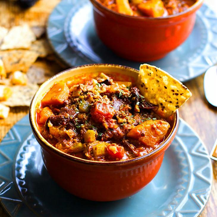 Crock Pot Sweet Potato Chipotle Chili {Paleo}