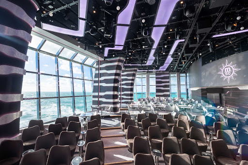 The Carousel Lounge is the high-tech entertainment and dining venue where you can catch Cirque du Soleil performances on MSC Grandiosa.