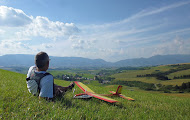 """Photo: ...čakanie na """"vlnu"""". Júlové lietanie na severnom svahu nad Turčianskym Jasenom"""