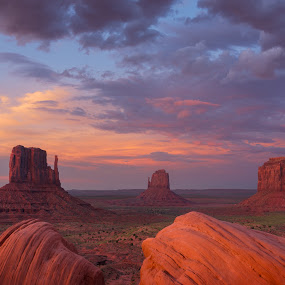 Monument Valley by Jeff Fahrenbruch - Landscapes Sunsets & Sunrises ( navajo, sunset, arizona, monument valley navajo tribal park )