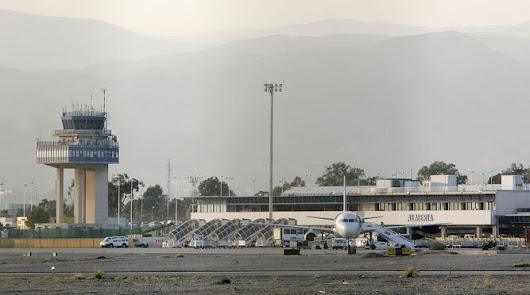La niebla causa desvíos y cancelaciones en el aeropuerto de Almería