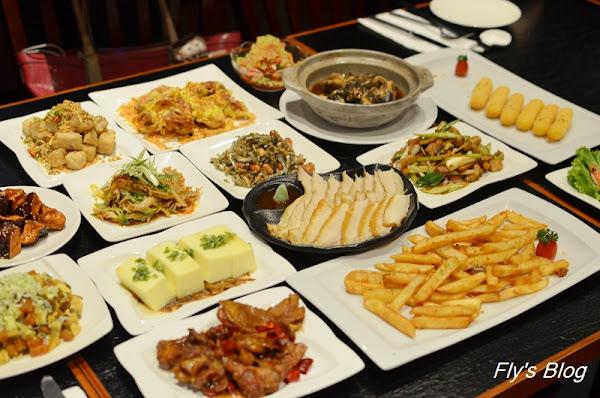 華國飯店的深夜食堂,美食加上現場演唱,氣氛滿點!(長虹酒吧)