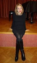 """Photo: Maria NAZAROVA (Sopran), Preisträgerin beim Belvedere-Wettberb und Gewinnerin eines großen Gesangswettbewerbes in Frankreich 2014, sang am 27.10.2014 im Rahmen des """"Merker-Kunstsalons"""" in der Döblinger Gatterburggasse. Foto: Peter Skorepa"""