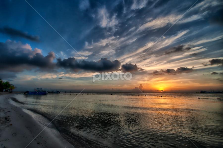Sunrise at Cancun by Cristobal Garciaferro Rubio - Landscapes Sunsets & Sunrises ( water, shore, cancun, clouds, rise, sea, sunrise, sun )