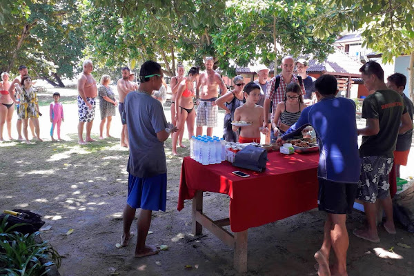 Enjoy a Thai buffet lunch on Koh Kradan