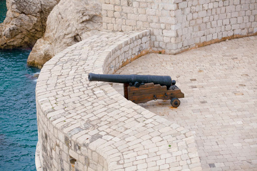 Dubrovnik-cannon.jpg - A cannon on one of Dubrovnik's ancient walls once defended the city.