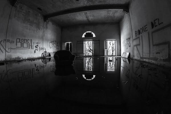 la stanza riflessa  di simone_ragazzini