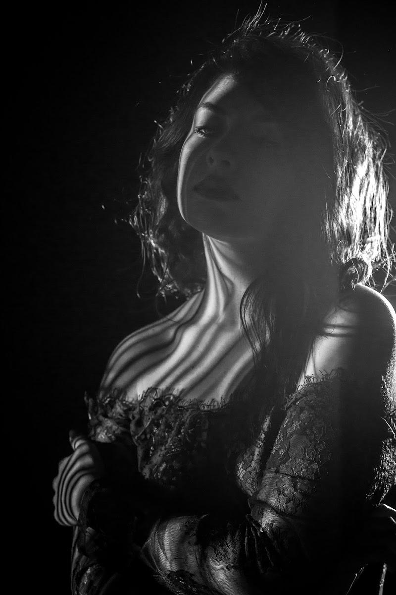 lei, ombra e luce di massimo bertozzi