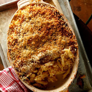 Crusty and Creamy Baked Macaroni and Cheese
