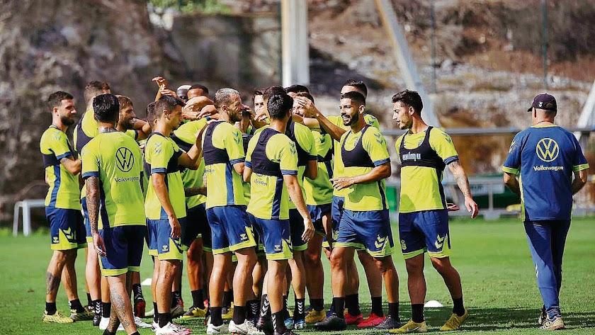 Las Palmas vuelve a entrenar pensando en el Almería.