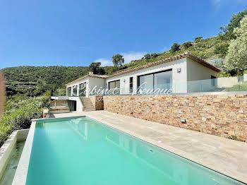 Villa 7 pièces 273 m2