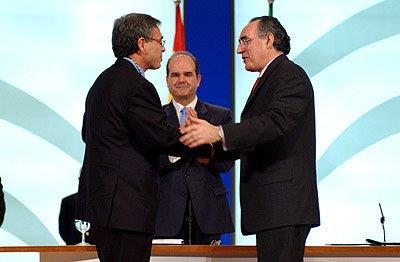 Ginés Morata, recogiendo la Medalla de Andalucía.