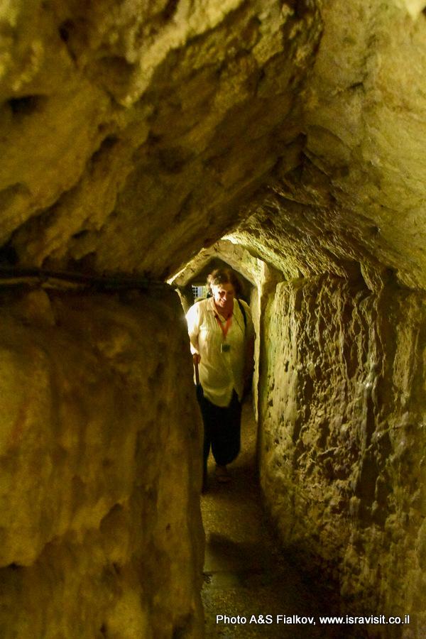 Тоннель госпитальеров в крепости крестоносцев в Акко. Гид в Израиле Светлана Фиалкова.