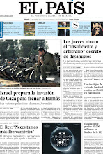 """Photo: Los jueces atacan el """"insuficiente y arbitrario"""" decreto de desahucios, Israel prepara la invasión de Gaza para frenar a Hamás y el Rey dice en la Cumbre de Cádiz que """"necesitamos más Iberoamérica"""", en nuestra portada del sábado 17 de noviembre http://srv00.epimg.net/pdf/elpais/1aPagina/2012/11/ep-20121117.pdf"""