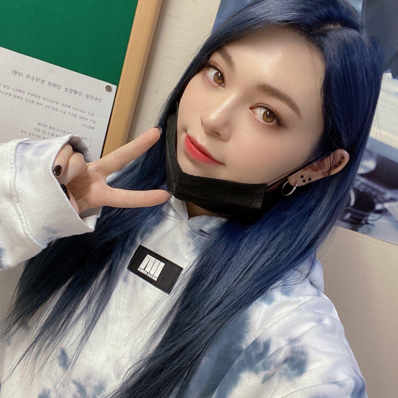 alexa blue hair