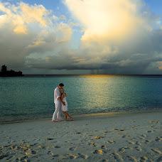Wedding photographer Sergey Tatarincev (santar). Photo of 09.10.2015
