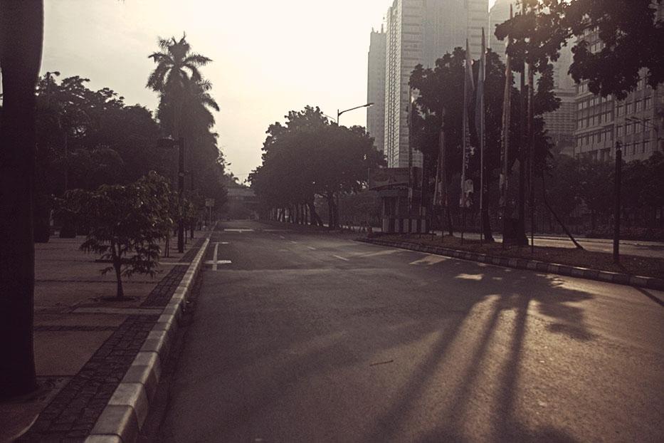 Jl. Jendral Sudirman, depan FX